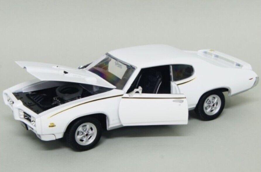 G LGB 1 24 1969 Pontiac GTO White Welly Welly Welly Diecast Detailed Model Car BNIB 7a94c7