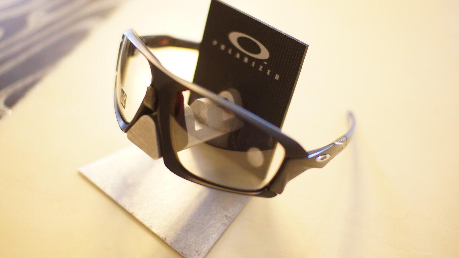 1b7f506a51 Oakley Photochromic Field Jacket Matte Black Sunglasses Oo9402-0664 ...