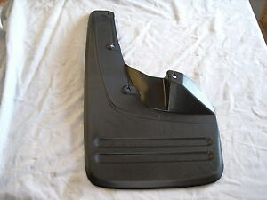 TOYOTA-HILUX-KUN-TGN-GGN-LH-FRONT-MUDFLAP-SUIT-MODELS-WITH-FLARES-2005-ON