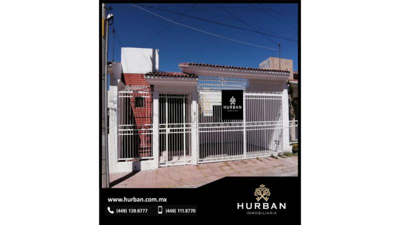 HURBAN VENDE casa de una planta con grandes espacios, al norte de la ciudad