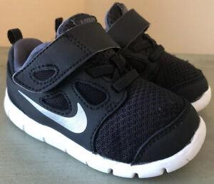 NIKE-FREE-5-Size-6-Children-s-Boys-Black-Sneakers-Shoes-HOOK-amp-LOOP
