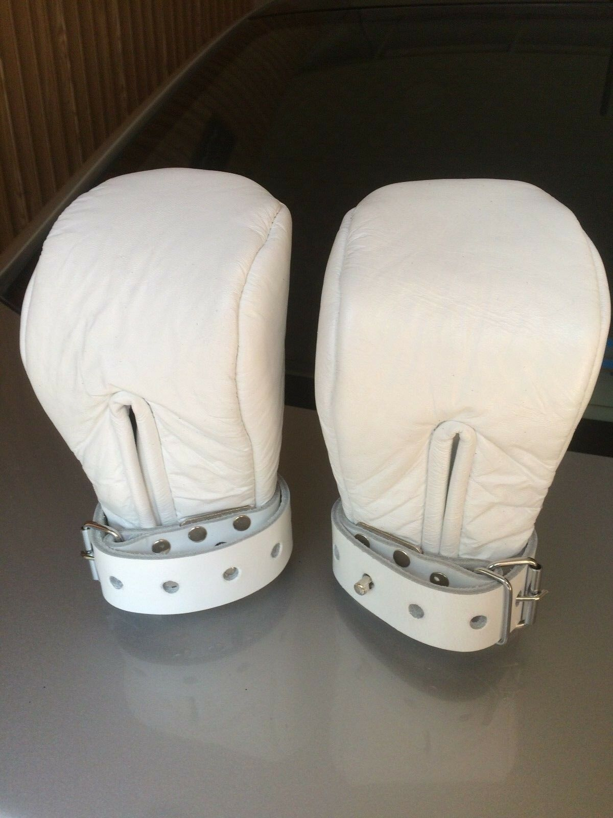LEATHER BONDAGE ADULT MITTS  IN WHITE