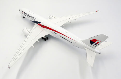Malaysia Airlines A350-900 Reg 9M-MAB  JC Wings  1:200 Diecast models LH2117