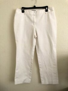 CHICOS White PANTS Size 2.5 Zip Pockets. Cotton and Spandex