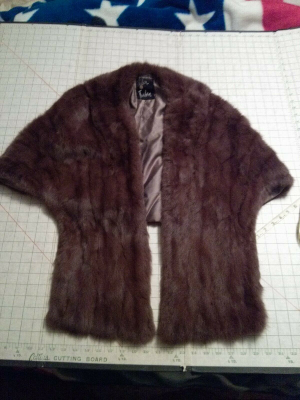 John Tauben Fur Shawl Great Condition Brown Brown Brown One Size Fits Most be6a4a