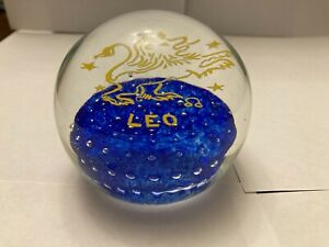 Gentile-Glass-Signed-Art-Paperweight-Leo-Astrology-Rare-Vintage