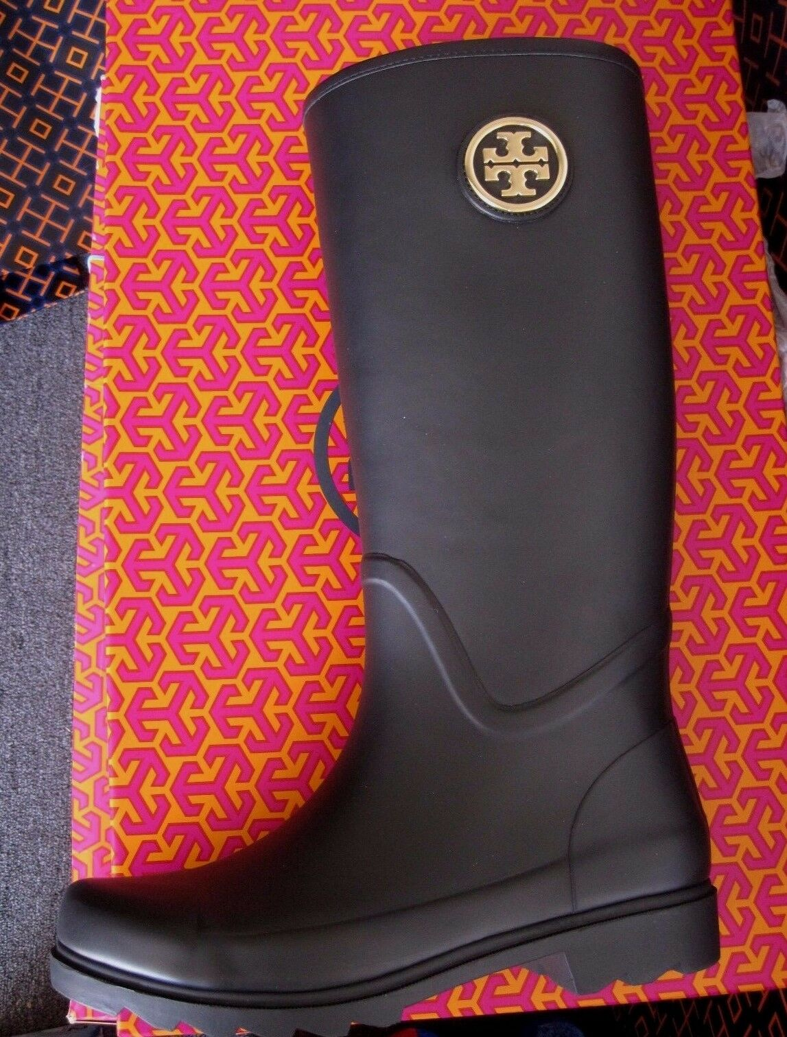 TORY BURCH SARAH NAVY  RAIN BOOT BRAND NEW IN THE BOX SIZE 10