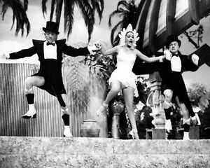 Bing-Crosby-amp-Dorothy-Lamour-1025883-8x10-photo-other-sizes-available
