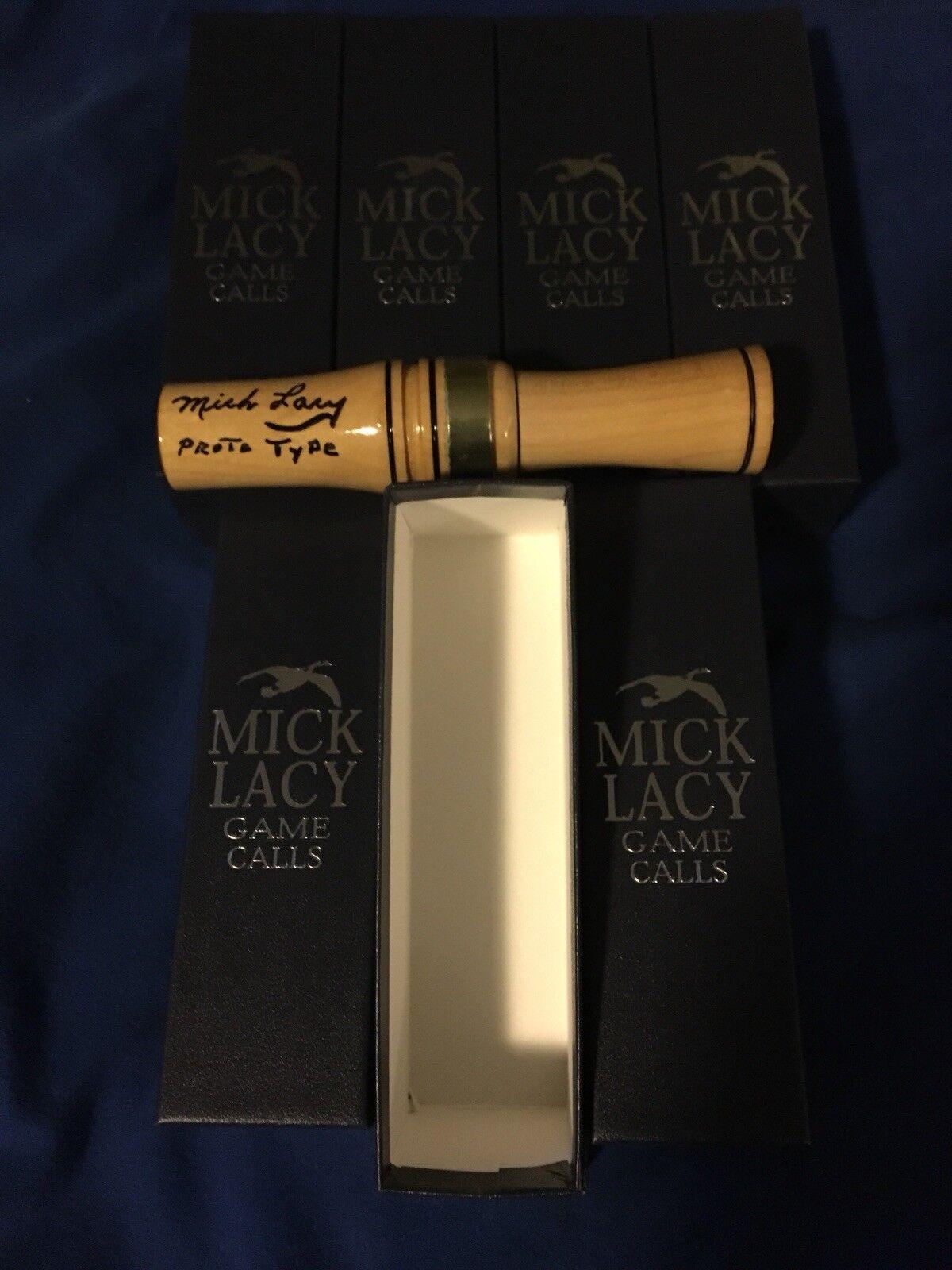 último    Mick Lacy Vintage projootipo