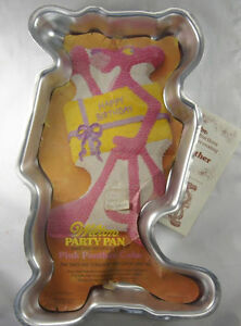 Pink-Panther-Cake-Pan-from-Wilton-4548