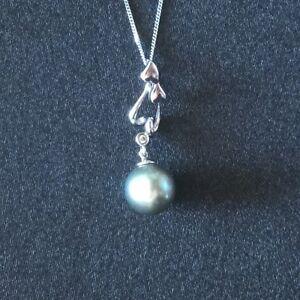 9ct-White-Gold-Tahitian-Pearl-amp-Diamond-Pendant-Necklace