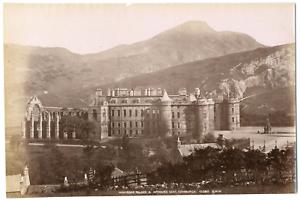 Ecosse-Scotland-Edinburgh-Edimbourg-Holyrood-palace-amp-Arthurs-seat-Vintage