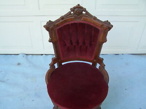 VICTORIAN-WALNUT-PARLOR-UPHOLSTERED-CHAIR-C-1850-EXCELLENT-CONDITION-1159