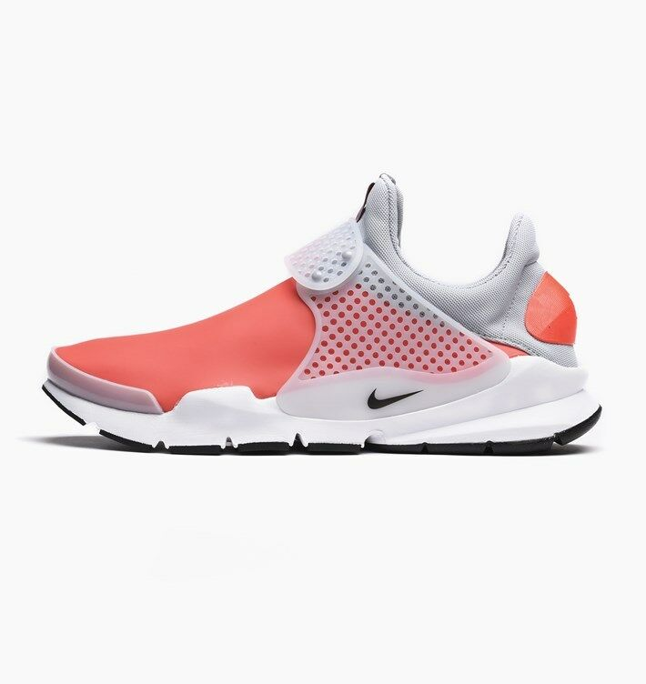 Nike Sock Dart SE Water Resistant SZ 11 Max Orange Black White 911404-800