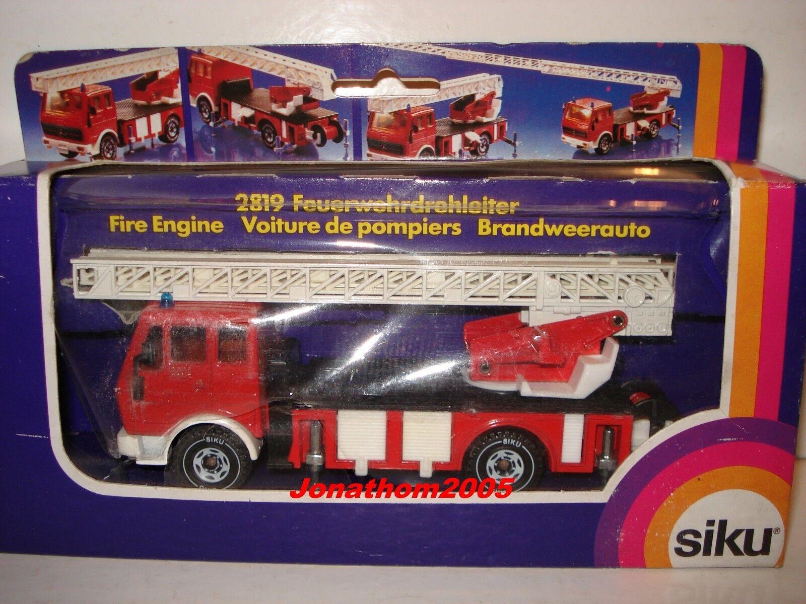 SIKU 2819 MERCEDES GRANDE SCALA ARTIFICIERI POMPIERI FIRE ENGINE