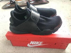 free shipping 520c1 d3eb1 Details about Nike Sock Dart SP Shoes Size 11 And 12 In Very Good Condition  (819686001)