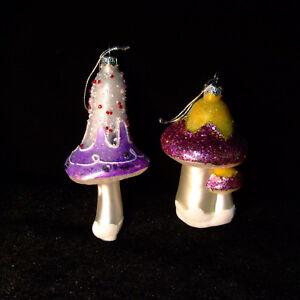 Mushroom-Christmas-Tree-Glass-Ornaments-2-pc-Lot-Large-5-034-glitter-vtg-box-German