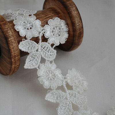 Guipure Lace Trim - Floral Flower Leaf - Bridal - Off White - 55mm Wide - GLOW02