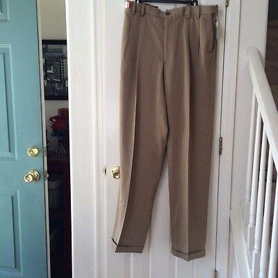 Izod Men's Big and Tall Pleated Traveler Dress Pants Dark Cedarwood Khaki