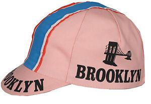 Caricamento dell immagine in corso Cappellino-corsa-vintage-Brooklyn-rosa 171a79d7110e