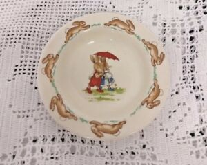 Small-Dish-ROYAL-DOULTON-BUNNYKINS-IN-GREAT-CONDITION-Approx-3-25-DIAMETER