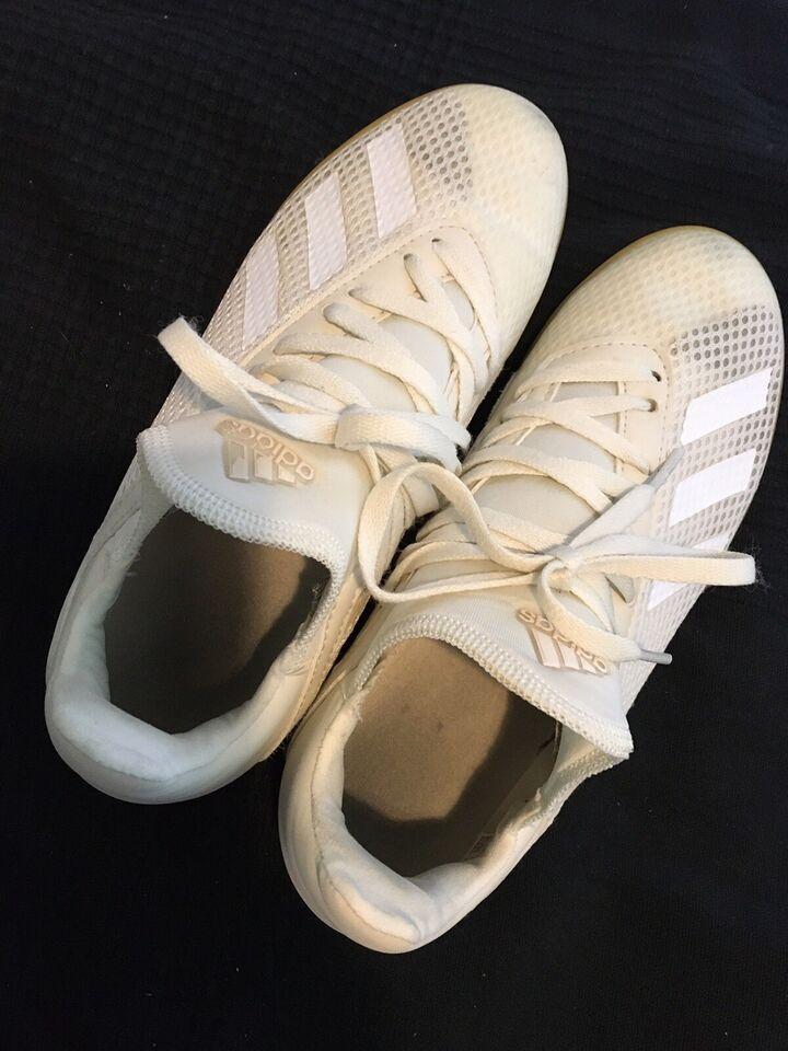 Badmintonsko, Indendørssko, Adidas
