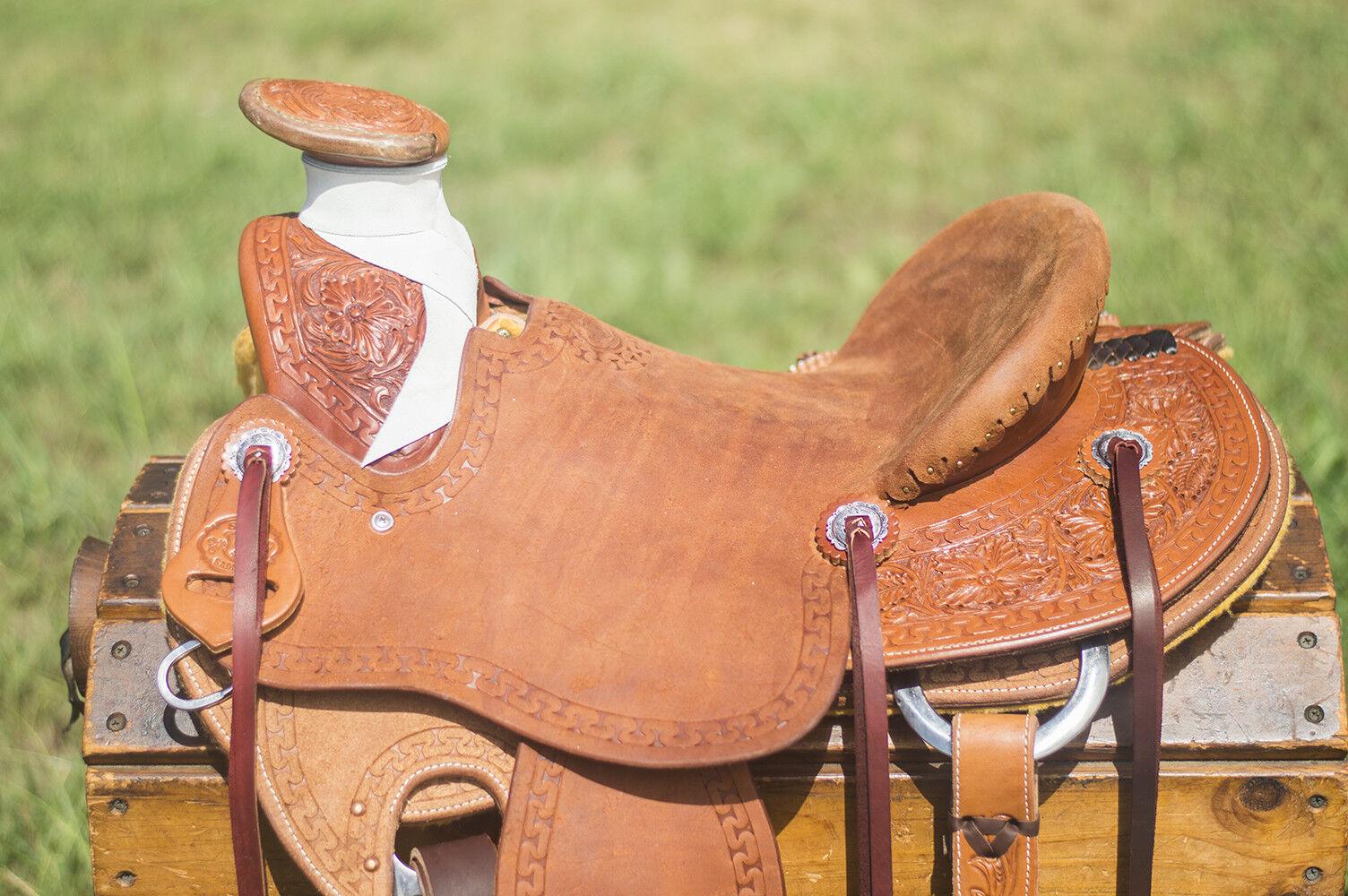 15  Spur  Saddlery Wade Ranch Roping Saddle (Made in Texas)  good price