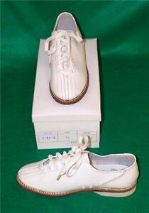 High-Skore-Womens-Lace-to-Toe-Bowling-Shoes-RH-LH-White-FREE-SHIPPING