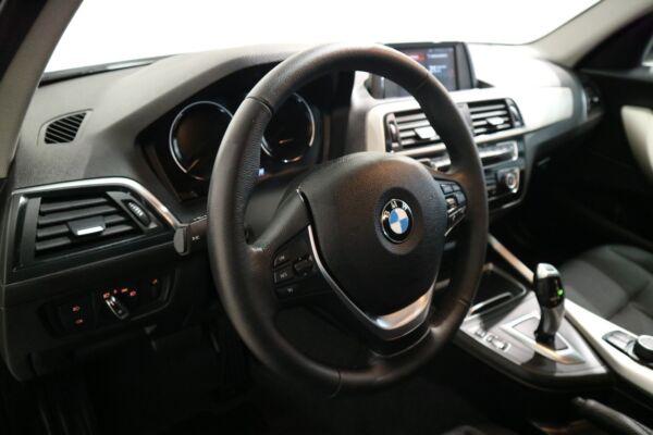BMW 118i 1,5 Connected aut. - billede 4