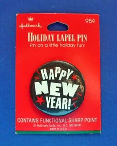 Hallmark-BUTTON-PIN-New-Years-Vintage-HAPPY-STARS-B-amp-W-RED-Holiday-Pinback-NEW