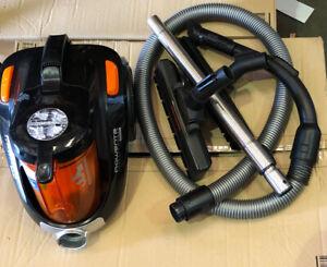 Rowenta Compact Power Cyclonic Ro3753 Vacuum Cleaner Ebay