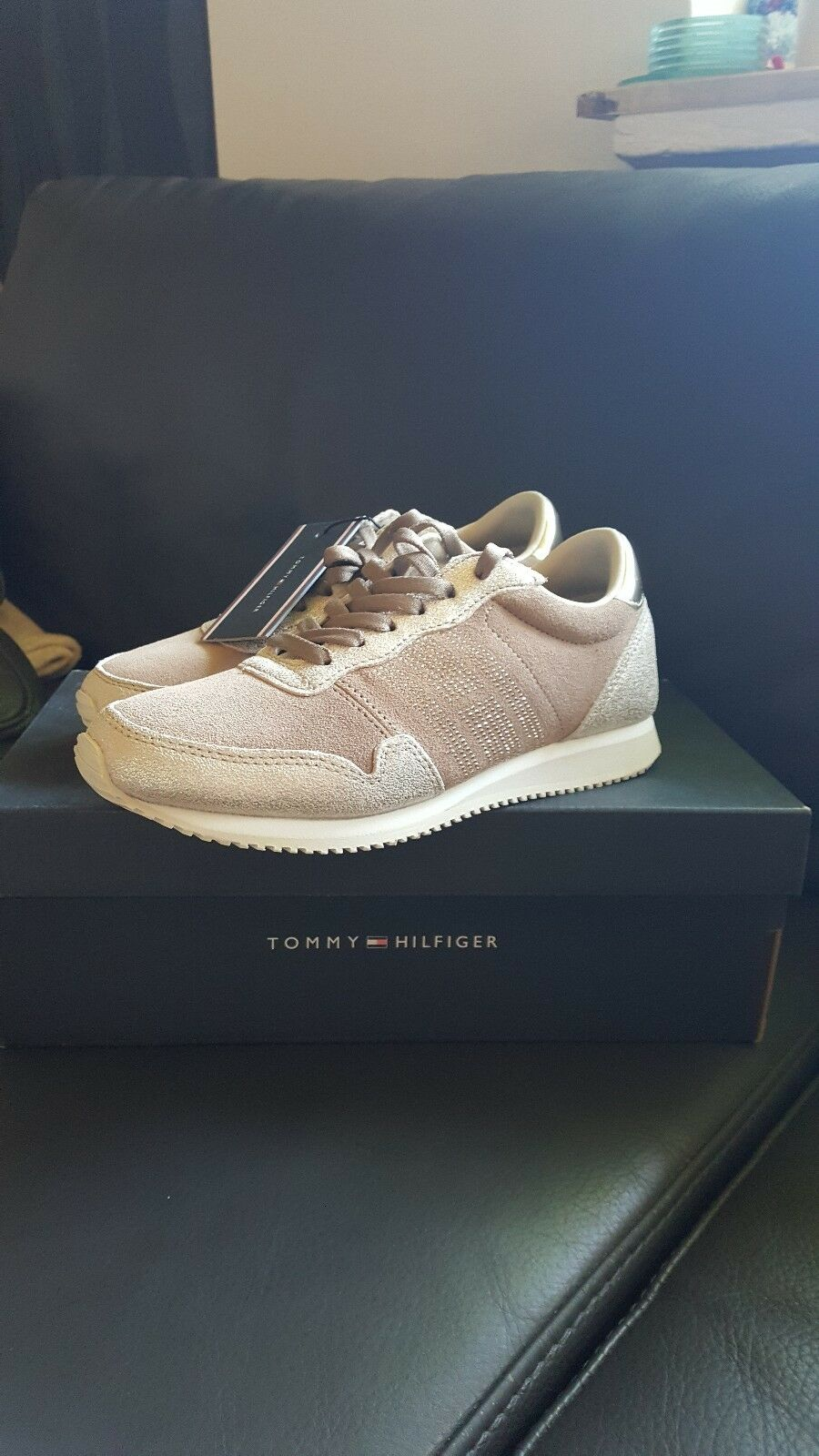 NEU Tommy Hilfiger Sneaker Gr 36 gold