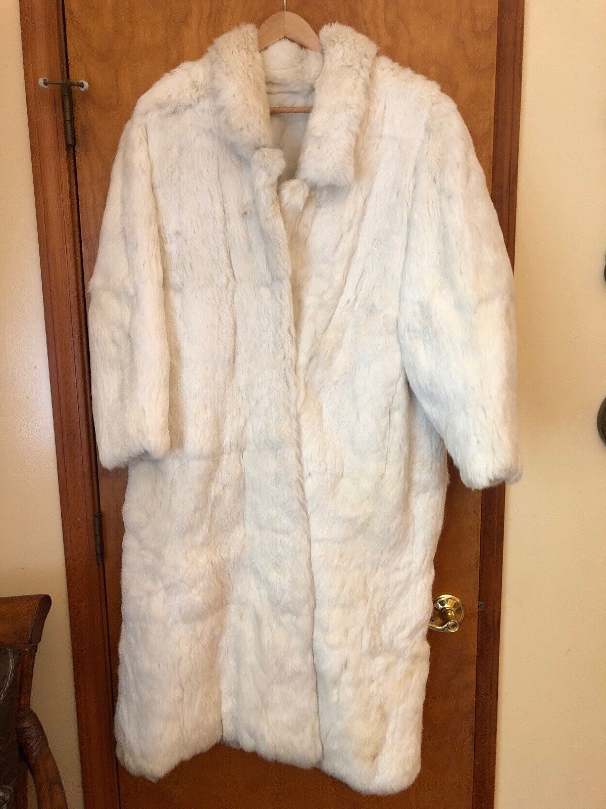 Vintage Women's Fur Coat Size Medium