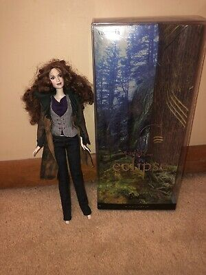 Twilight Saga Eclipse Victoria Collector Doll ~ Barbie Pink Label Collection