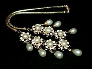 Vintage-1950s-filigree-gold-tone-faux-pearl-amp-rhinestone-drop-flower-necklace