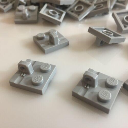 50 NEW LEGO Med 92582//4666449 finger hinge Stump//Top Stone Grey Plate 2X2 W