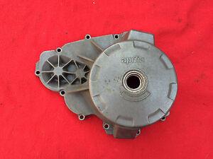 Aprilia-RSV-Mille-1000-R-BJ-2007-Zuendungsdeckel-Limadeckel-MOTORDECKEL