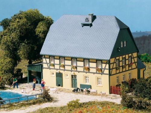 Großes Bauernhaus   Bausatz Neuware Auhagen H0 11359