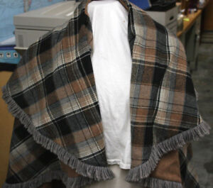 Poncho-Cape-reversible-brown-and-plaid-Size-medium-to-large-Wool-Blend