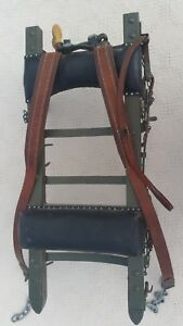 VINTAGE-WORLD-WAR-II-BACK-PACK-RACK-GREEN-WITH-LEATHER-STRAPS-AND-CHAINS