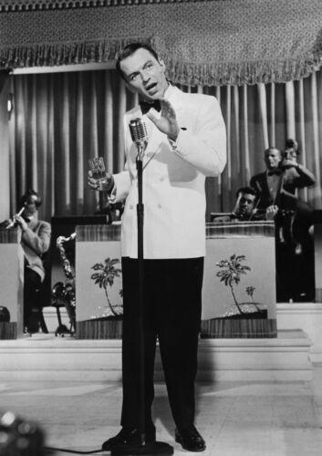 CANVAS Frank Sinatra at Microphone Art print POSTER