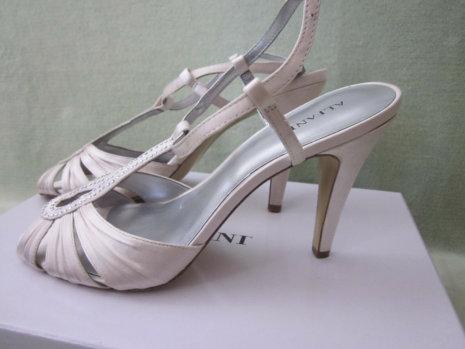 Alfani 8.5 Kristachm Champagne Beaded Ankle Buckle Sandals NWT Pretty Pretty Pretty 33b783