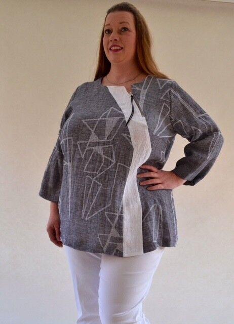 Plus Größe blouse in Linen mix by Q'Neel