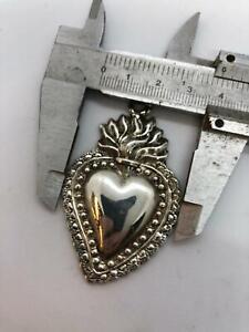 Ex voto metallo bagno argento 5 x 3,5 cm vintage milagros cuore fiamma sacro