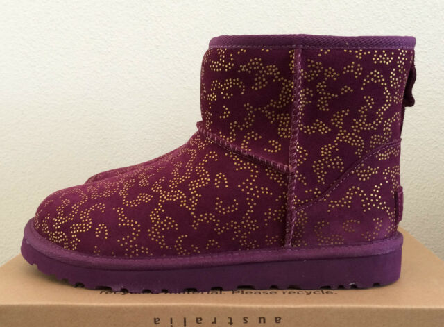 Womens Sz 7 Berry Aster UGG Classic Mini Metallic Conifer Low Boots Warm 1008562