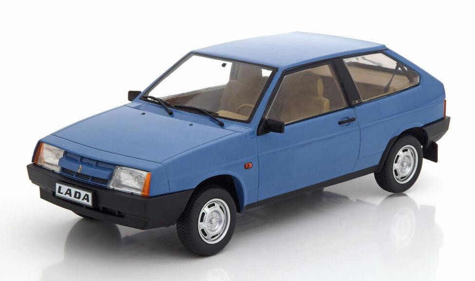 Lada Samara 1985 Light azul 1 18 Model KK SCALE