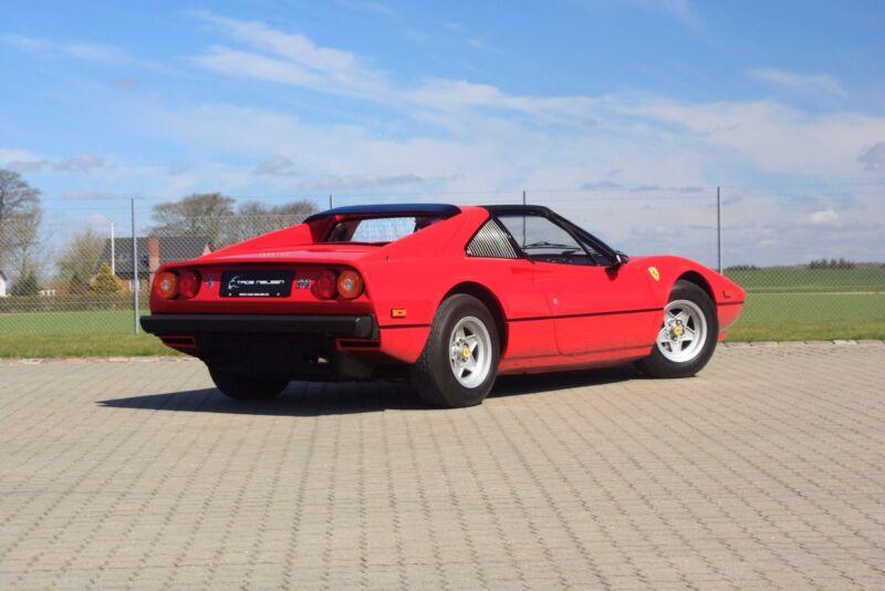 Ferrari 308 GTS - 7