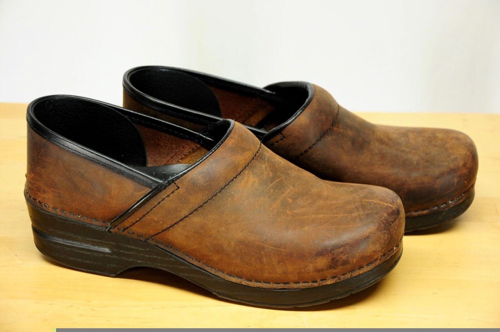 Dansko Professional Antique Brown/Black Oiled Leather Clogs sz: 40 / US 9.5