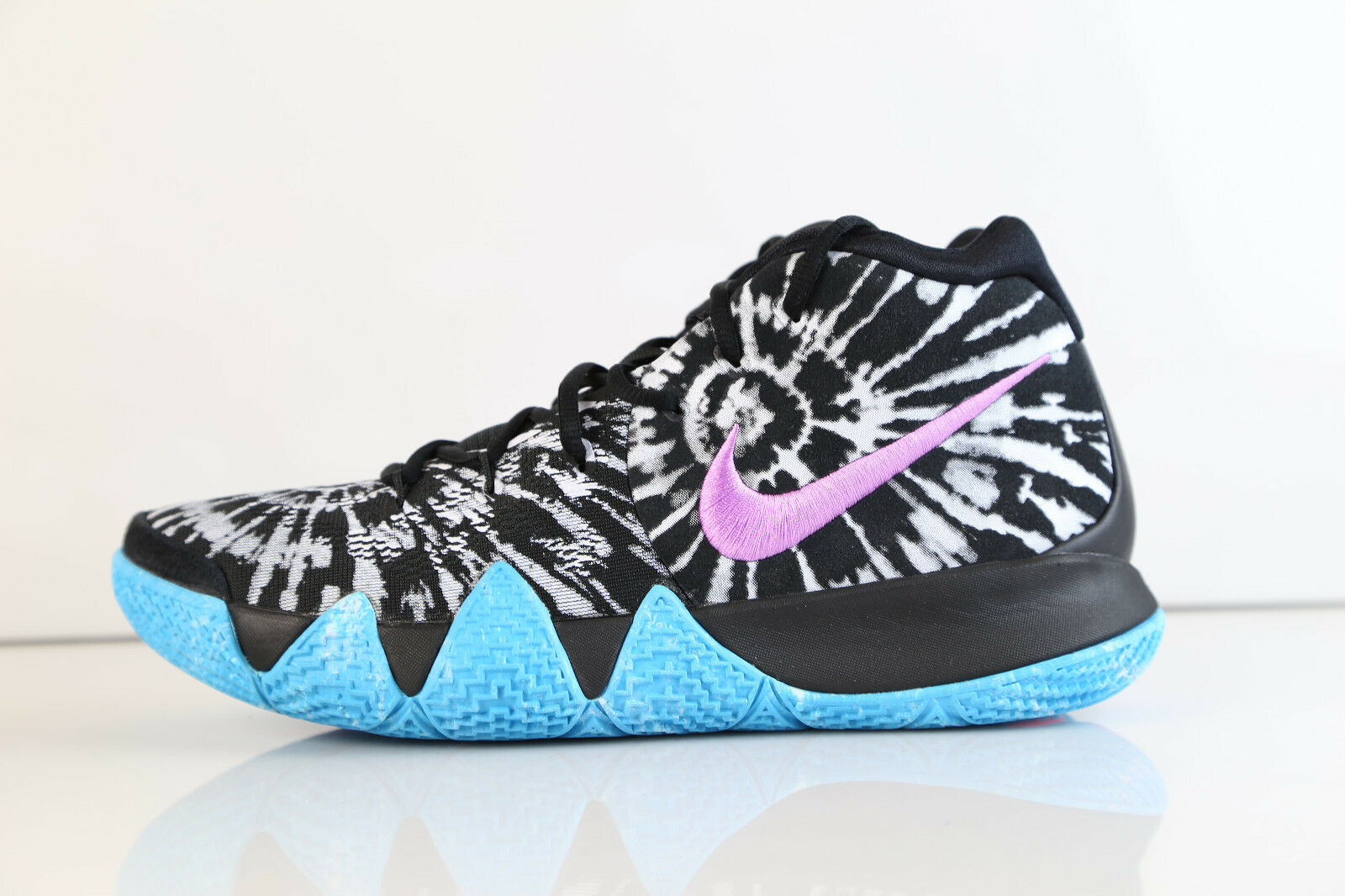 Nike Kyrie 4 AS All-Star Black White AQ8623-001 9.5-14 flyknit zoom  3 2