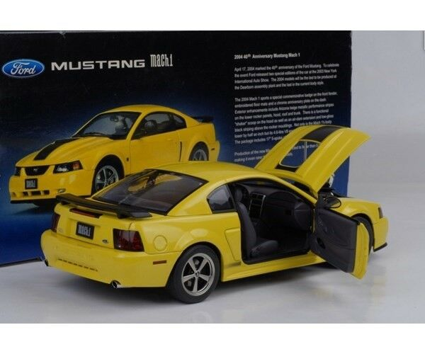 Modelbil, 2004 Ford Mustang Mach 1 40th Anniversary , skala
